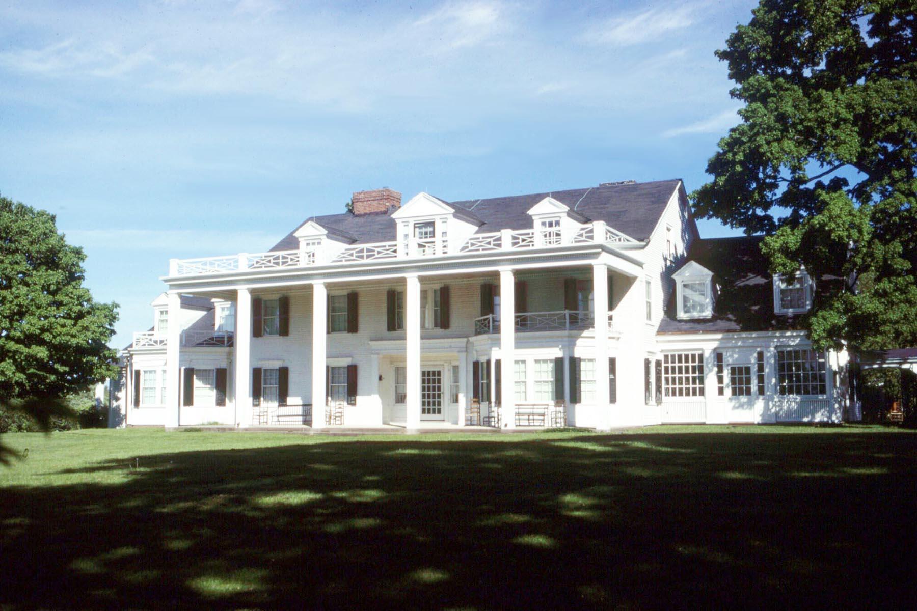 Colonial Revival Antique Homes