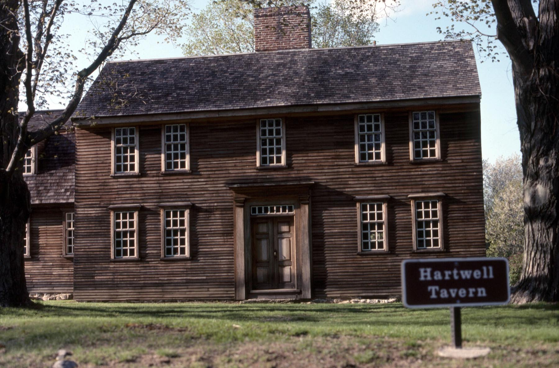 Early American Colonial - Antique Homes